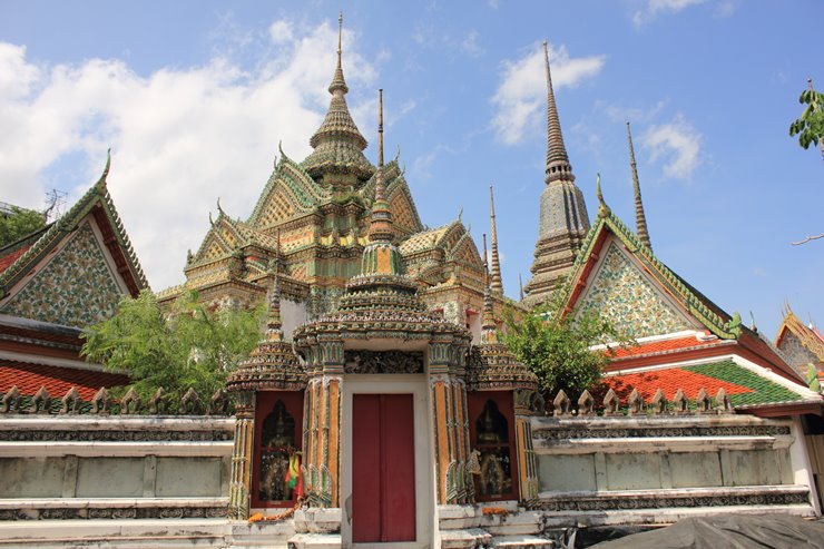 3a. Temple of the Reclining Buddha (Wat Pho).jpg