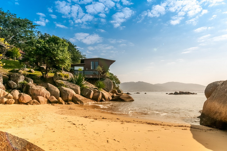 2019: Exceptional Property with Private Beach, Santa Catarina, Brazil