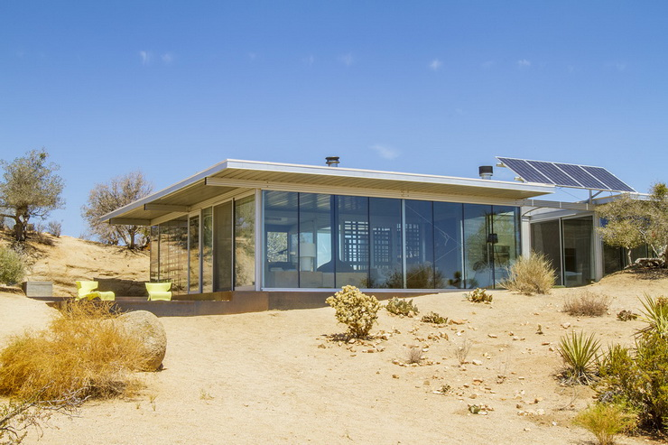 2012: Off-The-Grid House, Pioneertown, California