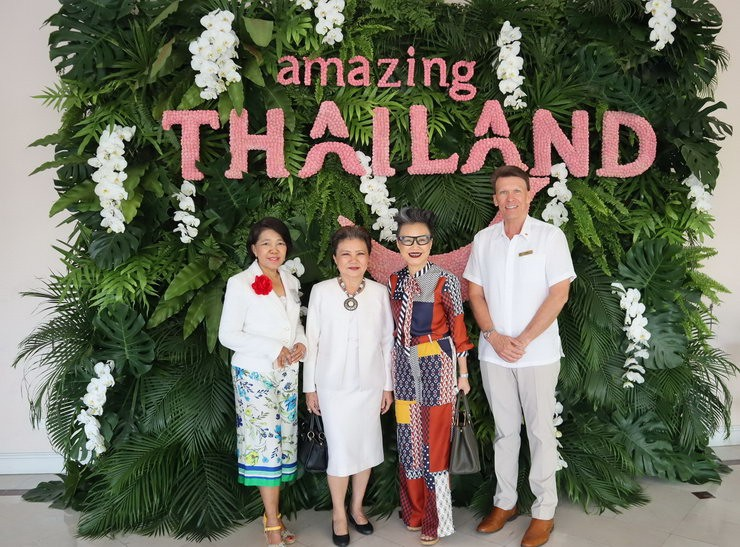 Runjuan Tongrut – TAT Executive Director – The Americas Region, Sukanya Janchoo - Honoured guest of Amazing Thailand Romance Trade Meet 2019, Srisuda Wanapinyosak – TAT Deputy Governor of International Marketing – Europe, Africa, Middle East and Americas, David Martens - General Manager & Corporate Director of Operations Hua Hin, Krabi & Samui
