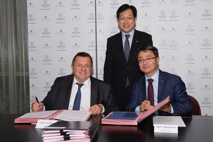 Signing ceremony of Ascott and Aegide Domitys