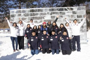Members of the HK team train together for the first time in NE China at Club Med Yabuli with Goodwill Ambassadors Cindy Lee (centre) and Gilbert Lam (centre), the Secretary General of the HK Ski Association and Club Med executives