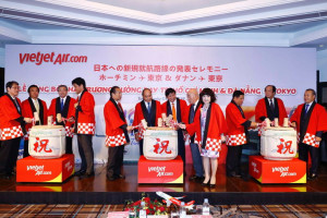 High-ranking Vietnamese and Japanese dignitaries joined by Vietjet's leaders for the ceremony of Vietjet's new routes announcement