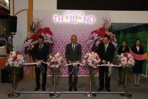 From left: Mr. Thosaporn Sirisumphand, Chairman of TAT Board of Directors (left); H.E. Mr. Phiphat Ratchakitprakarn, Minister of Tourism and Sports (center); and Mr. Yuthasak Supasorn, Governor of the Tourism Authority of Thailand (right)
