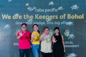 L-to-R: Undersecretary Epimaco Densing of the Department of Interior and Local Government; Candice Iyog, Vice President for Marketing at Cebu Pacific Air; Undersecretary Arturo Boncato, Jr. of the Department of Tourism; Atty. Kathyrin Pioquinto, Provincial Administrator of the Province of Bohol