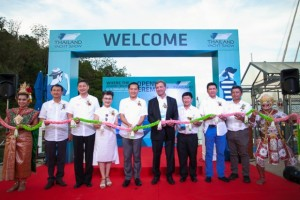 H.E. Mr. Weerasak Kowsurat (5th from left), Thailand's Minister of Tourism and Sports; Mrs. Srisuda Wananpinyosak (4th from left), TAT Deputy Governor for International Marketing (Europe, Africa, Middle East and Americas); Mr. Andy Treadwell (5th from right), Managing Director of the Thailand Yacht Show