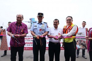 (left - right) Operations Director of Batik Air, Capt. I Putu Wijaya; Halim Perdanakusuma Air Force Base was represented by Puguh PNB Lieutenant Colonel; Executive General Manager of Angkasa Pura II Halim Perdanakusuma, Marsma PNB PIP Darmanto; AirNav Indonesia General Manager Halim Perdanakusuma, Hengky Poluan.