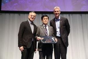 From left: David Zhong, UFI AP Chapter Chair; Kiyotsugu Ishihara, President & CEO, Tokyo Big Sight; Kai Hattendorf, UFI Managing Director/CEO.