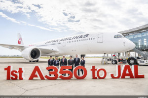 L-to-R: Yoshihiro Higushi, Deputy Minister, Embassy of Japan in France, Christian Scherer, Airbus Chief Commercial Officer, Yoshiharu Ueki, Japan Airlines Representative Director and Chairman, Dominic Horwood, Rolls Royce Chief Commercial Officer