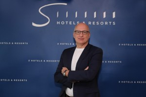 S Hotels & Resorts Chief Executive Officer, Dirk De Cuyper